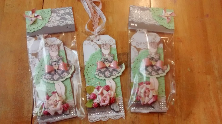 julie-nutting-lace-tags-swap-mas-1-2017-4